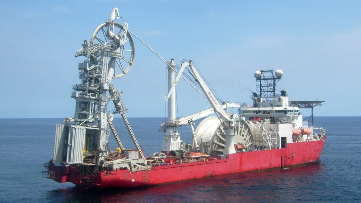 OFFSHORE FLEET 3 x FITTERS FOR PIPE LAY DP3 260€ P/D