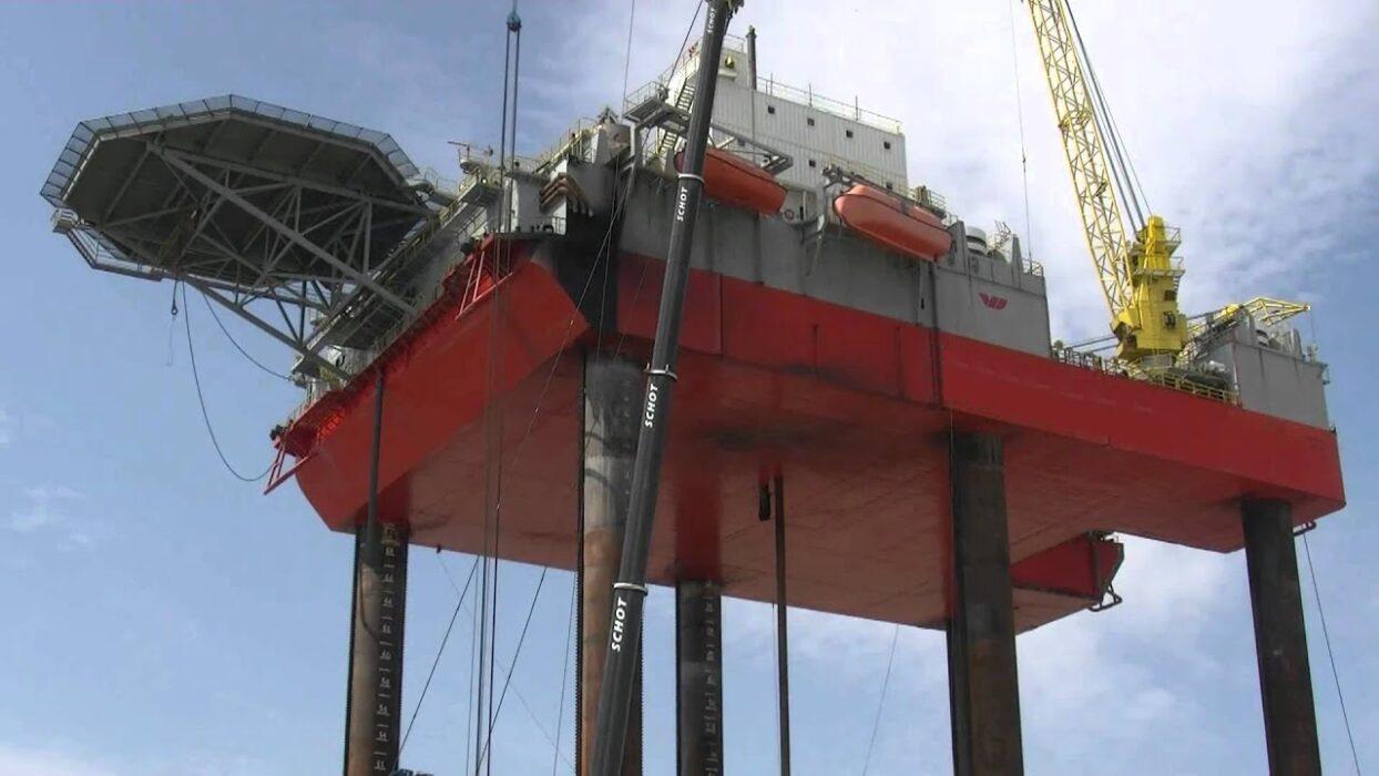 Offshore fleet 3E for JUV DP2 220€ P/D