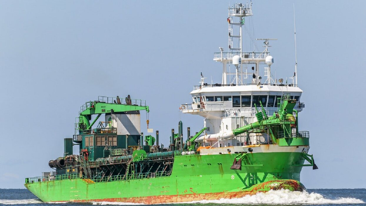 OFFSHORE FLEET ELECTRICIAN FOR TSHD 300EUR P/D