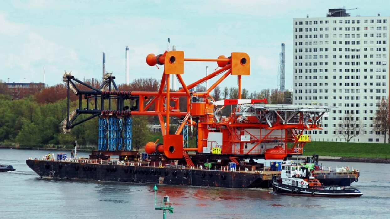 You are currently viewing OFFSHORE FLEET BARGE MASTER FOR DREDGE BARGE 325EUR P/D