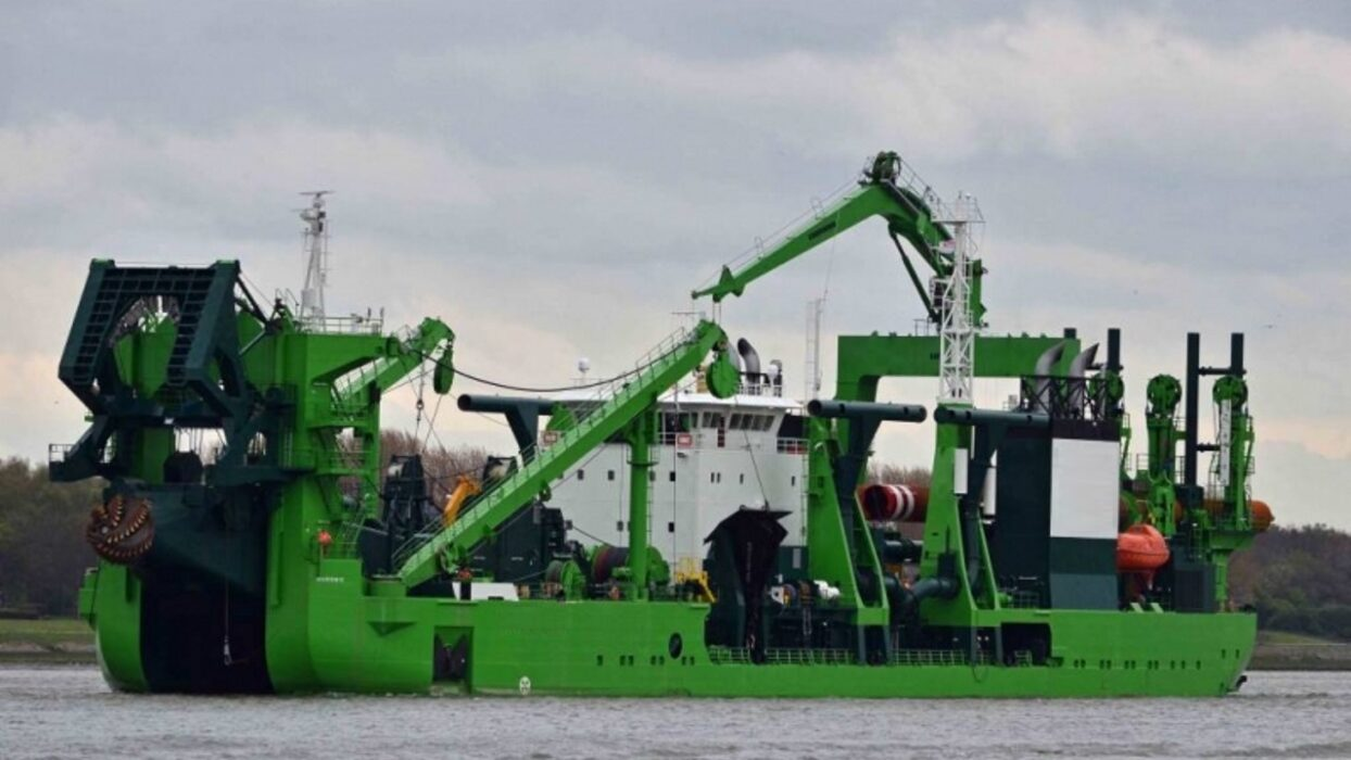 You are currently viewing OFFSHORE FLEET DREDGE OPER.FOR CSD 350EUR P/D